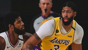 Los Angeles Derbisi'nde kazanan Lakers