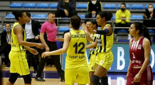 Fenerbahçe Öznur Kablo zirvedeki yerini korudu