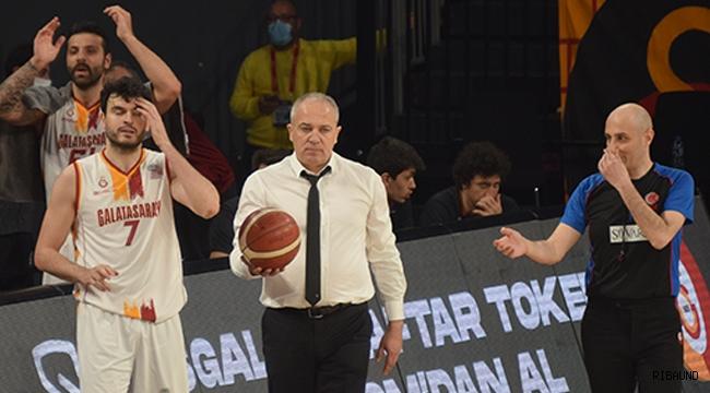 Galatasaray ligde kaldı