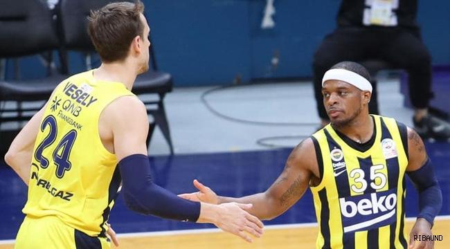 Fenerbahçe Beko derbide alev aldı