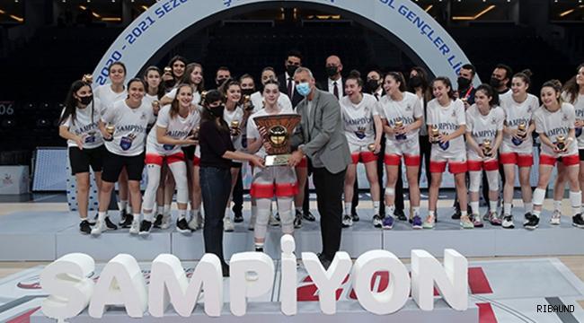 Garanti BBVA Basketbol Gençler Ligi Kızlar Kategorisi'nde Şampiyon Botaş