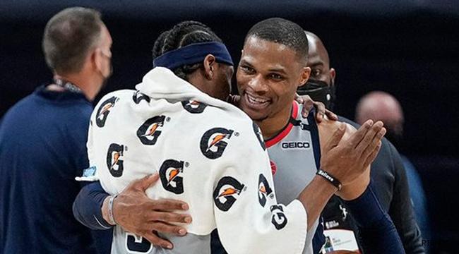 Westbrook triple double tahtına ortak oldu