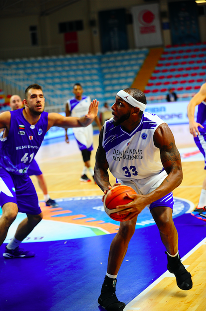 TBL ekibi Akhisar Basket'e tanıdık uzun