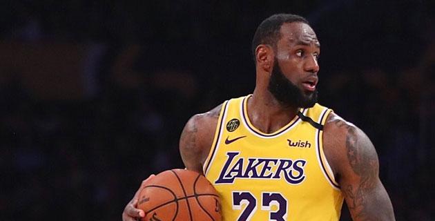 Lakers'ta şov devam ediyor